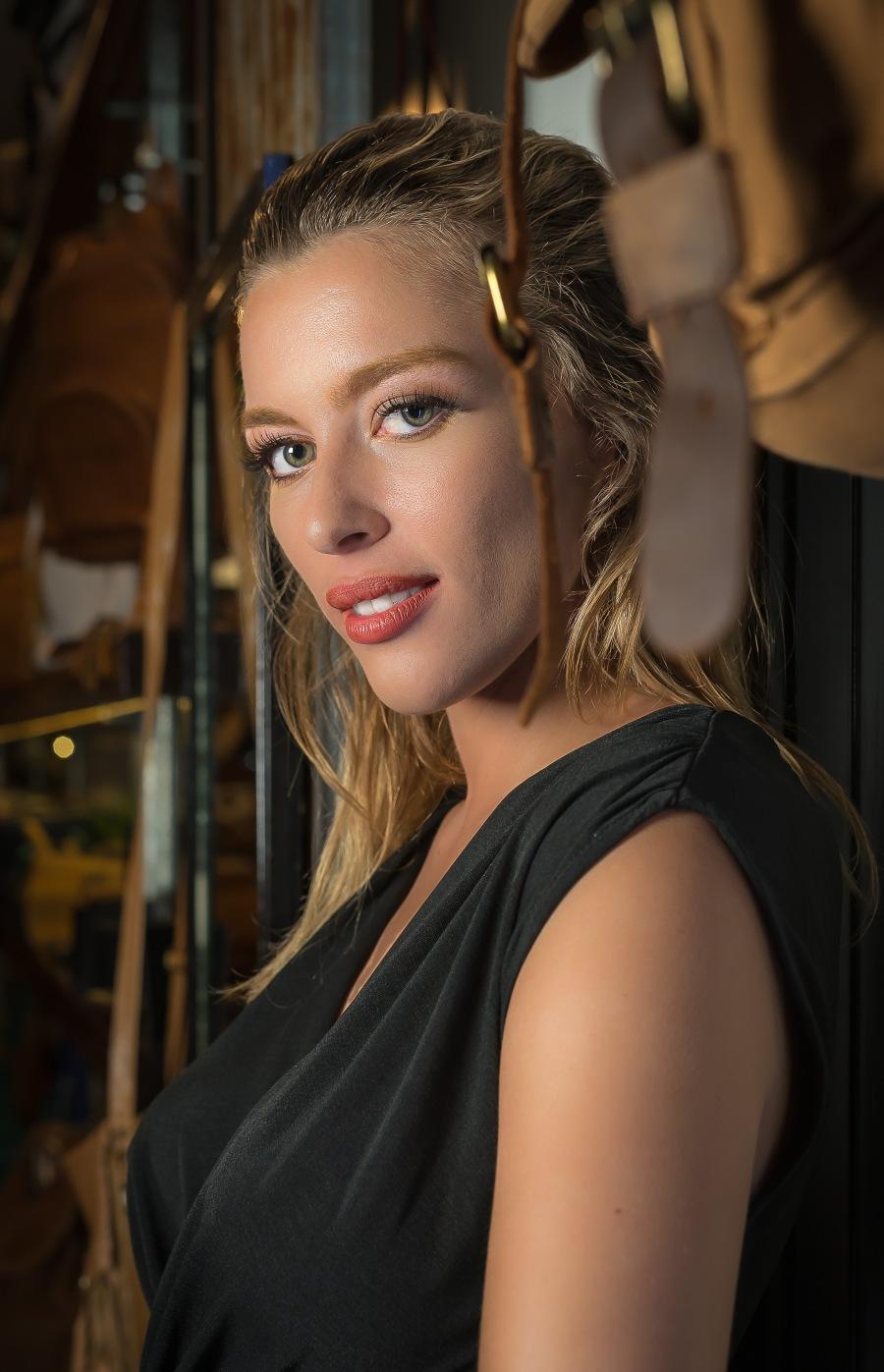 Model Nikkita Hall
